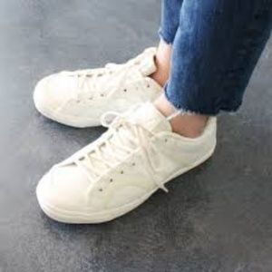 New Balance White Leather Sneaker